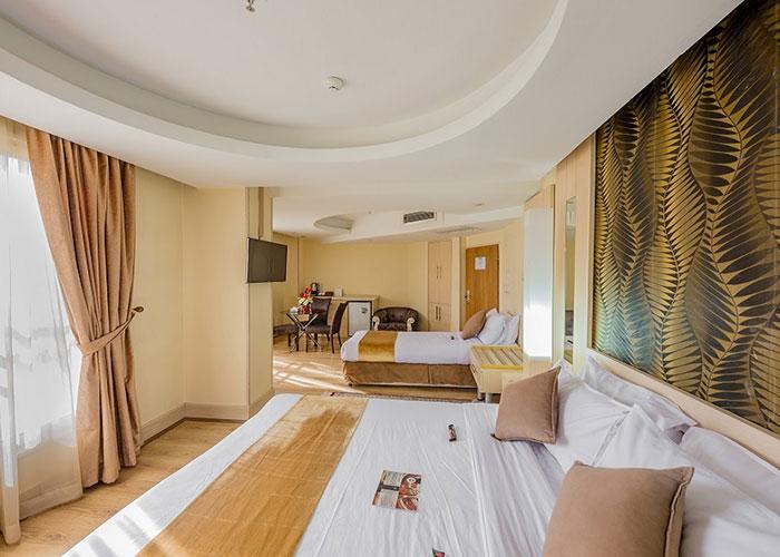 اتاق سه تخته هتل سفیر اصفهان