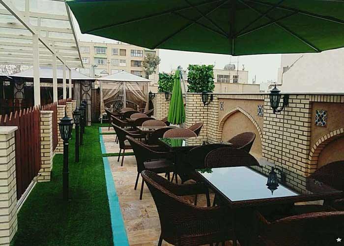 کافه بام هتل سرای اردیبهشت اصفهان