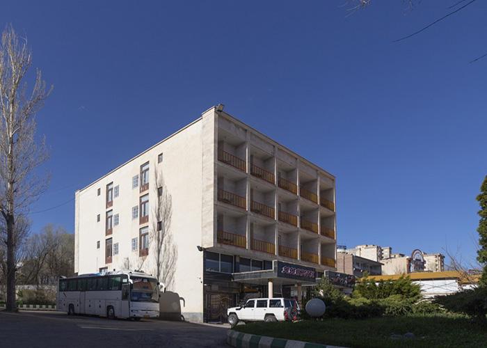 عکس ساختمان هتل ساسان سرعین
