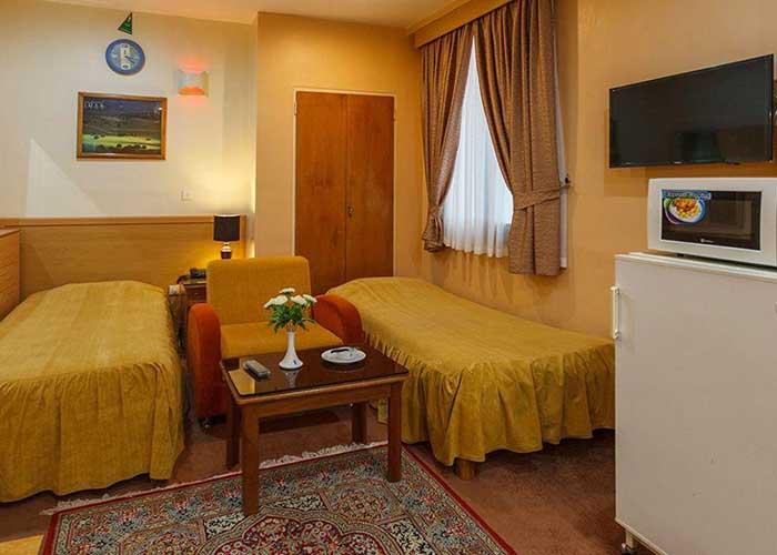 سوئیت چهار تخته هتل ساسان شیراز