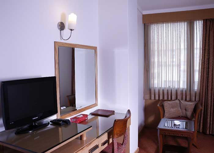 نشیمن اتاق هتل ساینا تهران