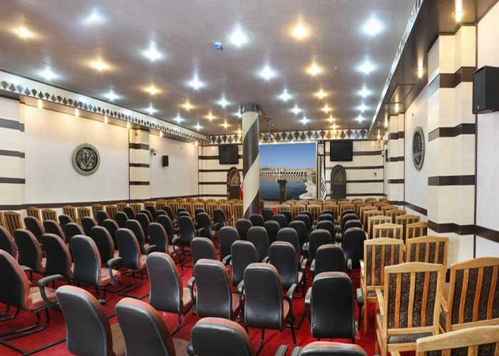 سالن کنفرانس هتل سپاهان اصفهان