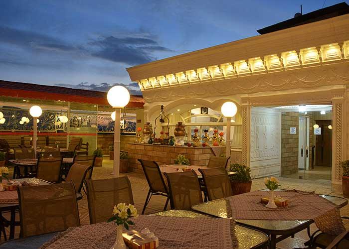 رستوران بام هتل ستاره اصفهان
