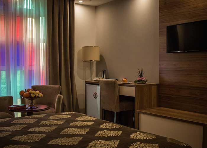فضای اتاق های هتل شهر تهران