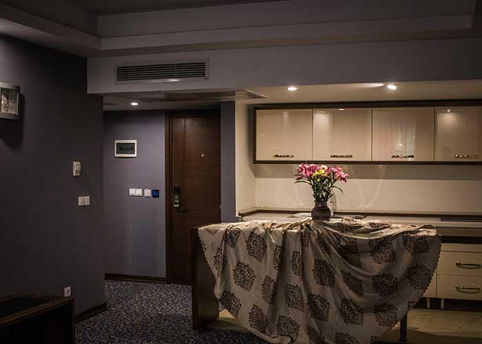 طراحی داخل اتاق های هتل شهر تهران