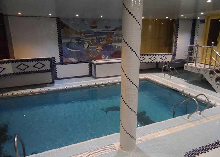 استخر هتل شهر تهران