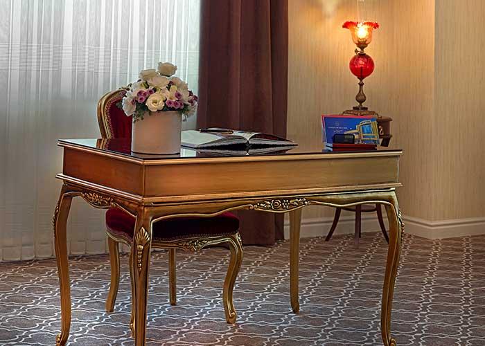 میز اتاق هتل شهریار تبریز