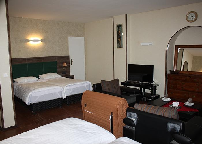 هتل جهانگردی شمشک