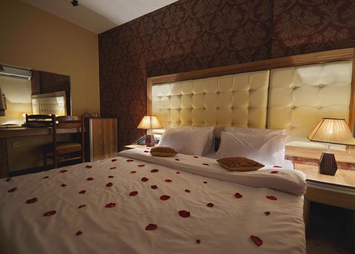 اتاق دو تخته هتل لطفعلی خان شیراز