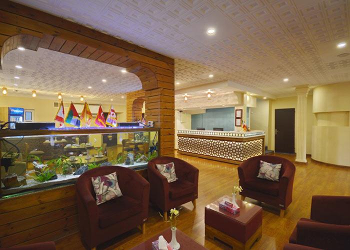 عکس لابی هتل لطفعلی خان شیراز