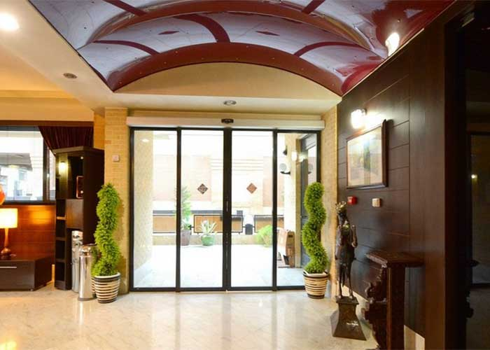 ورودی هتل شیخ بهایی اصفهان