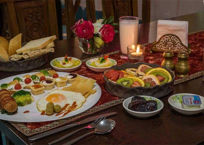 صبحانه هتل شیخ بهایی اصفهان