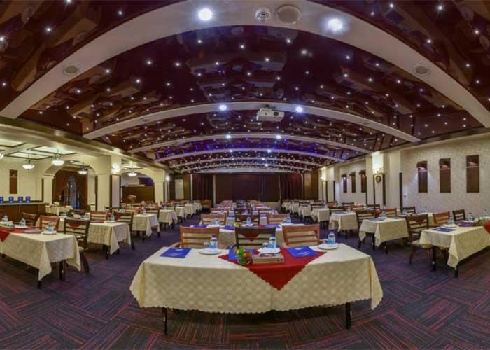 سالن کنفرانس هتل شیخ بهایی اصفهان