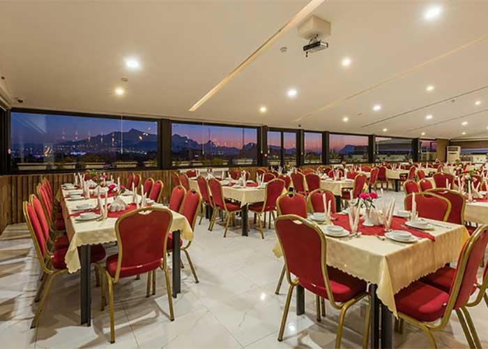 تصاویر رستوران بام هتل شیخ بهایی اصفهان