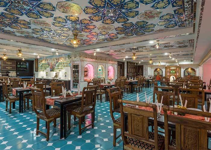 رستوران سنتی هتل شیخ بهایی