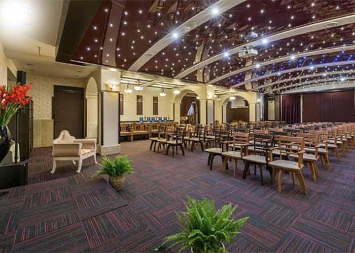 سالن همایش هتل شیخ بهایی اصفهان