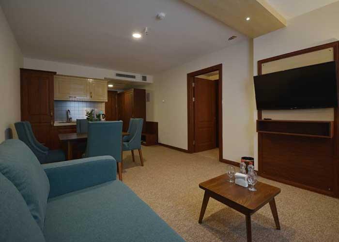 سوئیت هتل شیرازیس شیراز