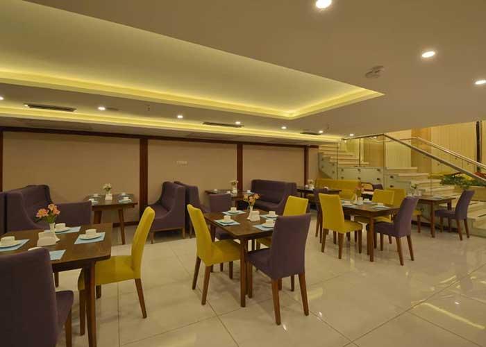 کافی شاپ هتل شیرازیس