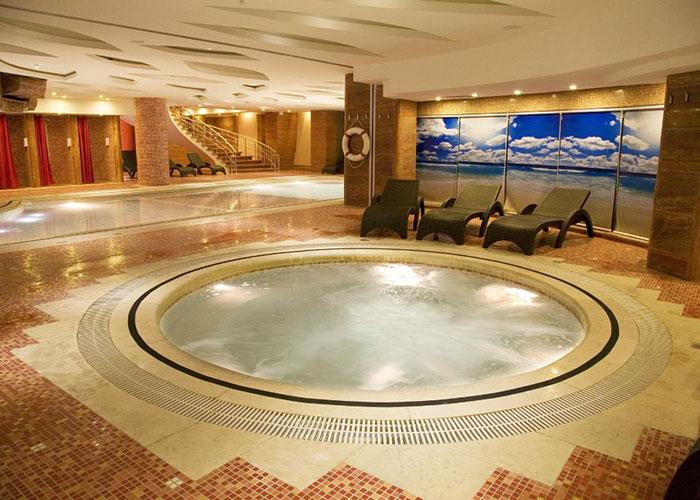 جکوزی هتل بزرگ شیراز