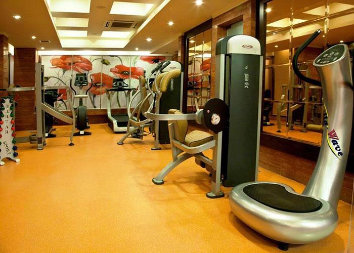 باشگاه بدنسازی هتل بزرگ شیراز