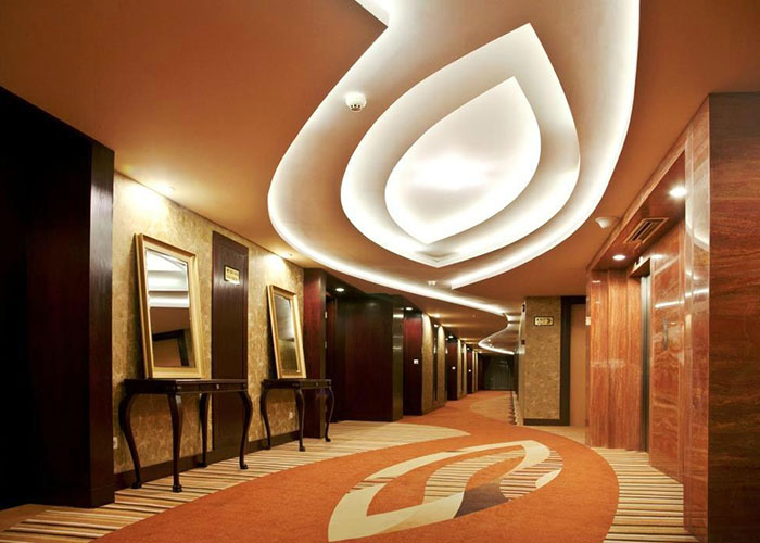راهرو هتل بزرگ شیراز