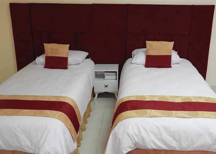 عکس اتاق دو تخته هتل سیمرغ کیش