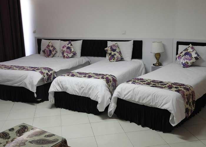 تصاویر اتاق چهار تخته هتل سیمرغ کیش