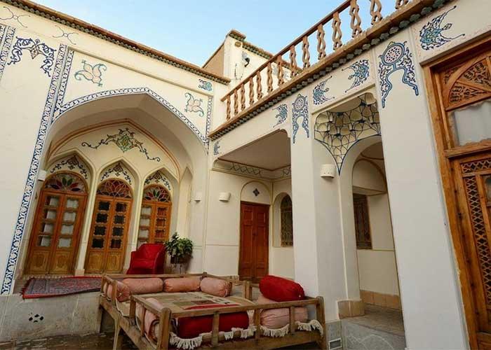 تصاویر حیاط هتل سنتی اصفهان