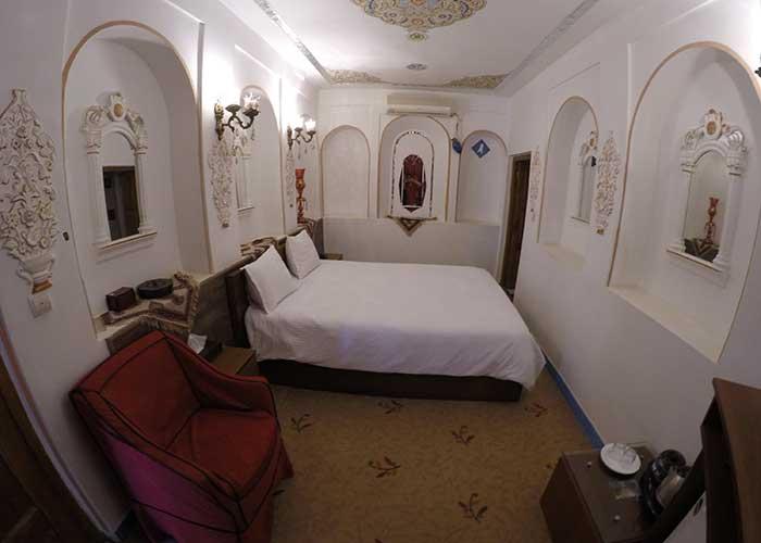 اتاق شاه نشین هتل سنتی اصفهان