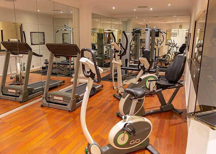 سالن ورزشی هتل آپارتمان تاج محل تهران