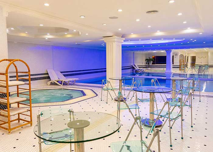 استخر هتل آپارتمان تاج محل تهران