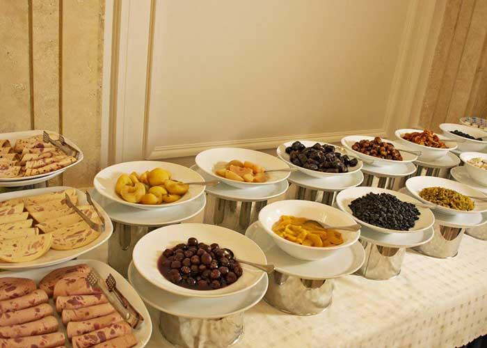 میز صبحانه هتل تارا