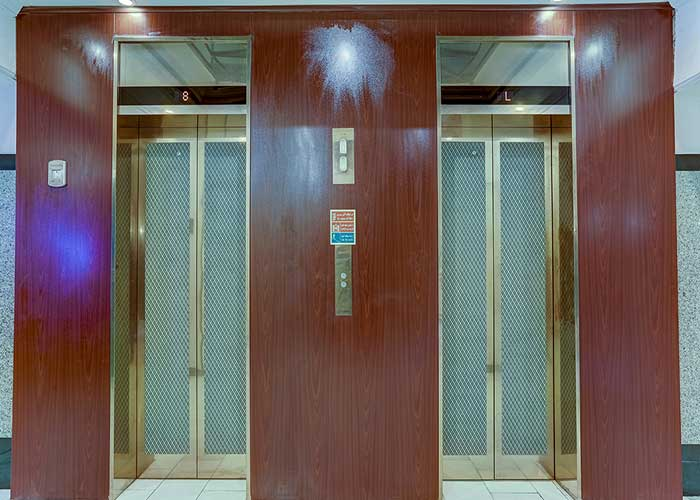 آسانسور هتل بزرگ تهران
