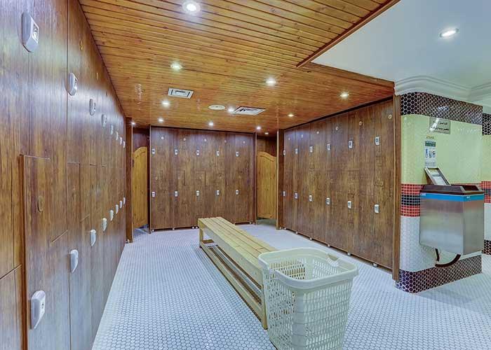 رختکن استخر هتل بزرگ تهران