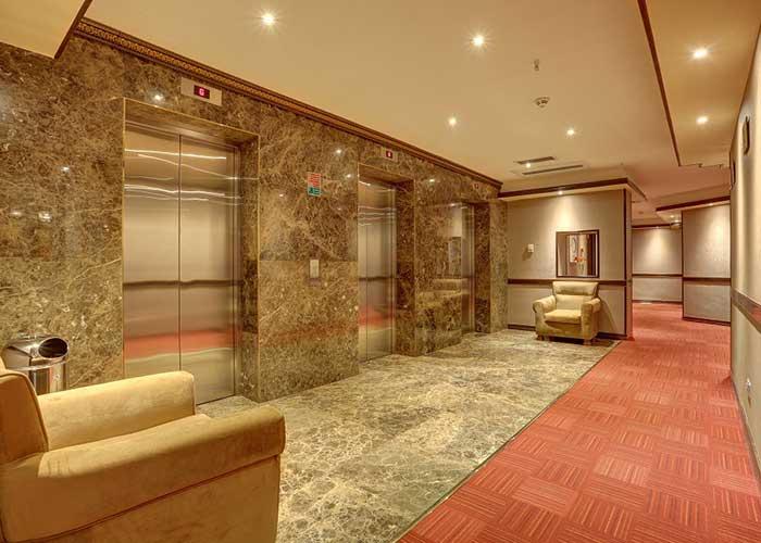 راهرو هتل بزرگ تهران دو