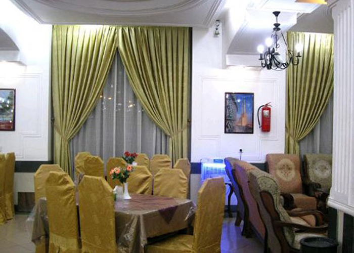 رستوران هتل تهرانی یزد
