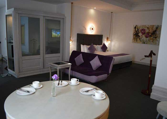 سوئیت جکوزی دار هتل ویدا کیش