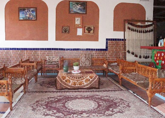 سفرخانه سنتی هتل ویونا ابیانه