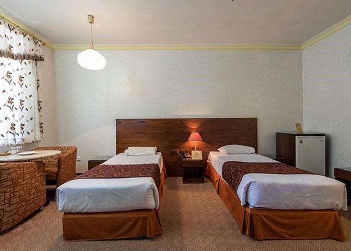 دو تخته توئین هتل پارسیان یزد
