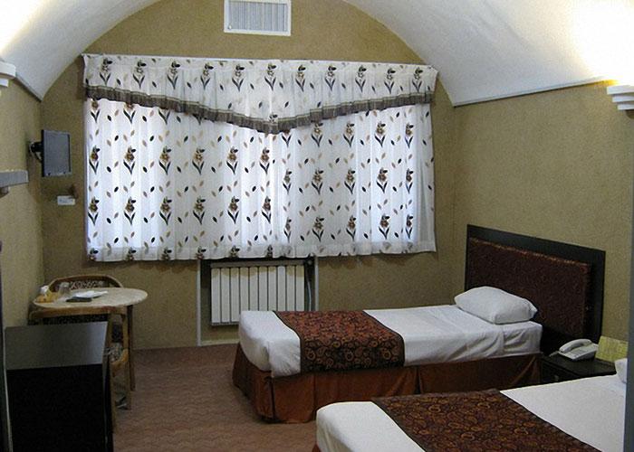 تصاویر اتاق دو تخته توئین هتل پارسیان یزد