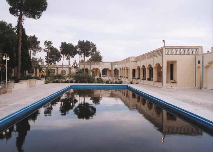 ساختمان هتل پارسیان یزد