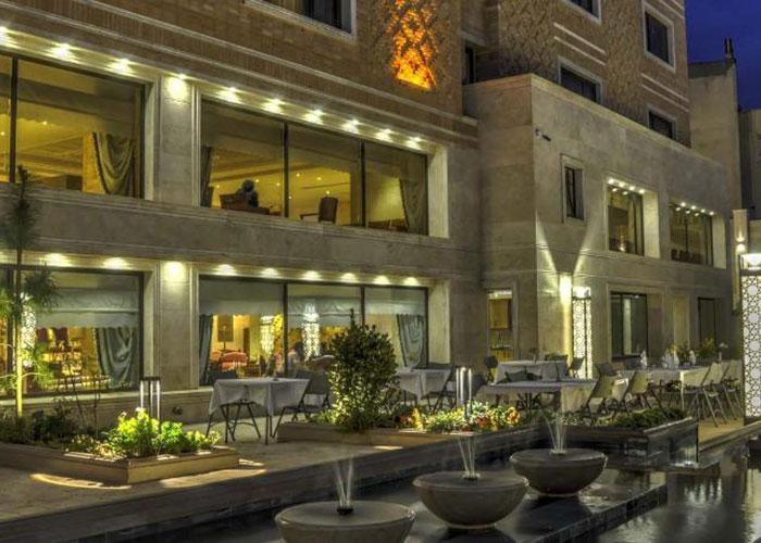 رستوران باغ هتل زندیه شیراز