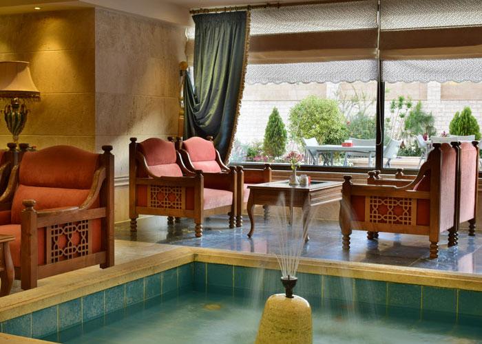 کافی لانچ هتل زندیه شیراز