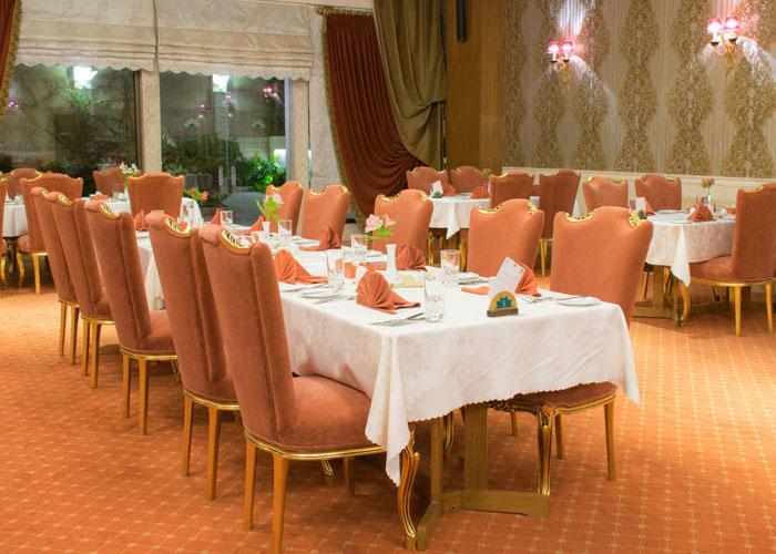 رستوران کلاسیک هتل زندیه شیراز