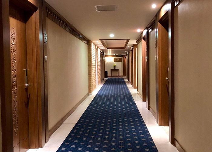 راهرو هتل زندیه شیراز
