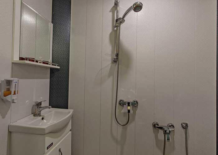 سرویس بهداشتی هتل زنده رود اصفهان