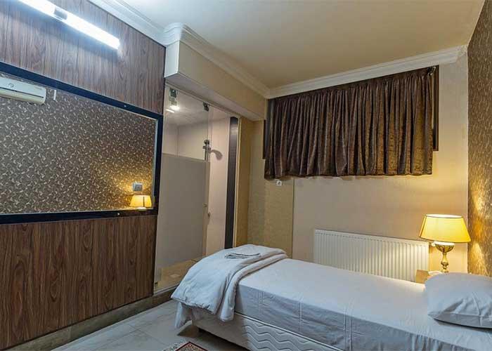 عکس اتاق یک تخته هتل زنده رود اصفهان