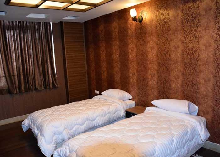 دو تخته توئین هتل زنده رود اصفهان