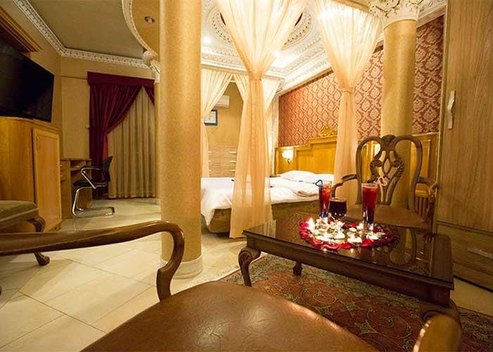 اتاق هانی مون هتل زهره اصفهان