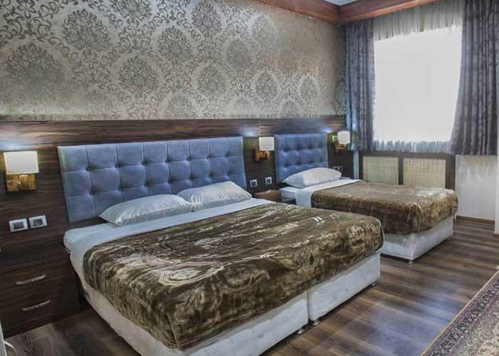 عکس اتاق سه تخته ارگ محتشم قمصر